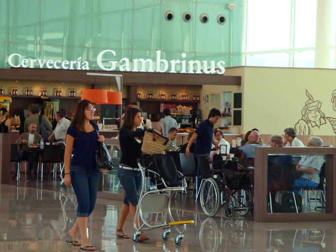 Cataluña: menos turistas pero más gasto tras el 1-O