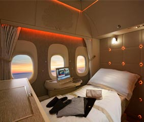 Emirates presenta la nueva Suite privada de First Class