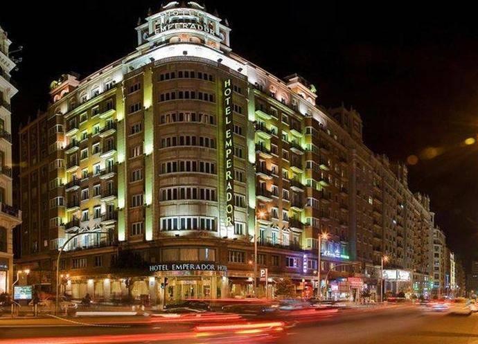 El Hotel Emperador presenta su nueva terraza