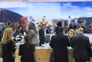 El Turismo crea empleo a base de contratos temporales y jornadas a tiempo parcial