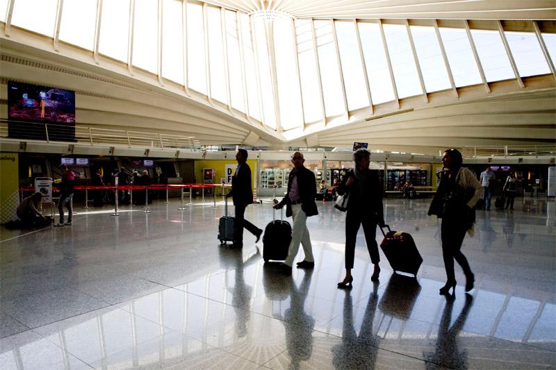 Las aerolíneas revisan sus cargos por equipaje