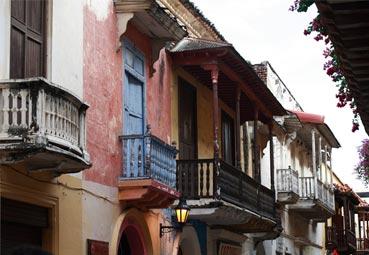 España exporta hacia Colombia su modelo DTI
