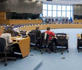 Bruselas pide coordinación para salvar la aviación