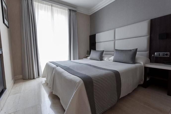 El Hotel Europa de Pamplona, ahora First Class