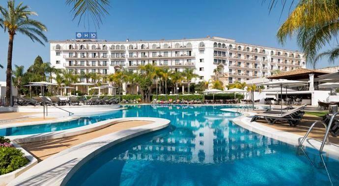 Hoteleros andaluces abordan el último Decreto sobre viviendas turísticas