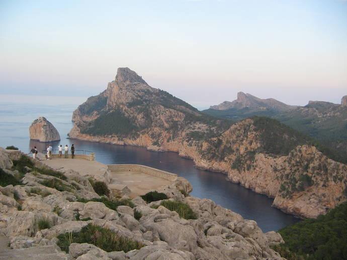 Hoteleros de Ibiza y Formentera romperán con el Govern por mantener la