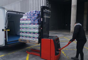 Fira de Barcelona dona dos toneladas de alimentos