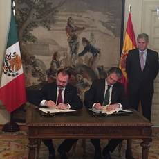 Fomento consolida una alianza aérea con México