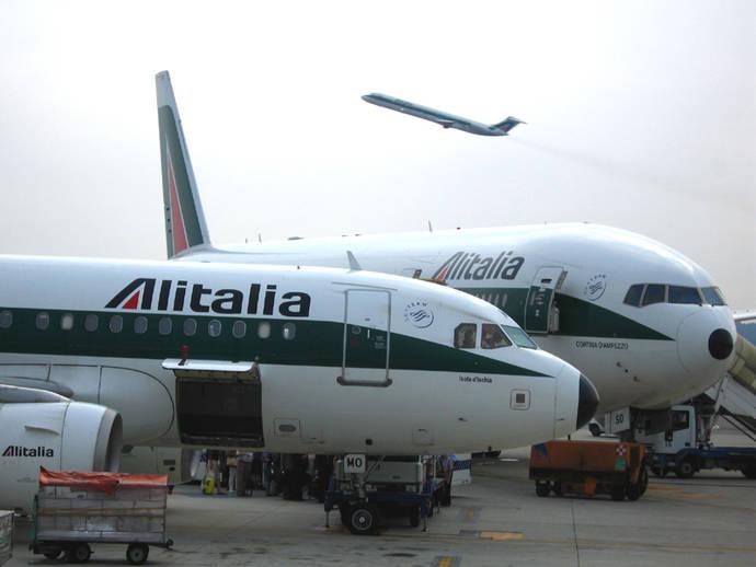 Alitalia suspende temporalmente su sistema de reserva