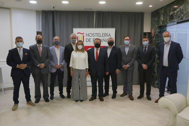 Yzuel es reelegido presidente de Hostelería de España