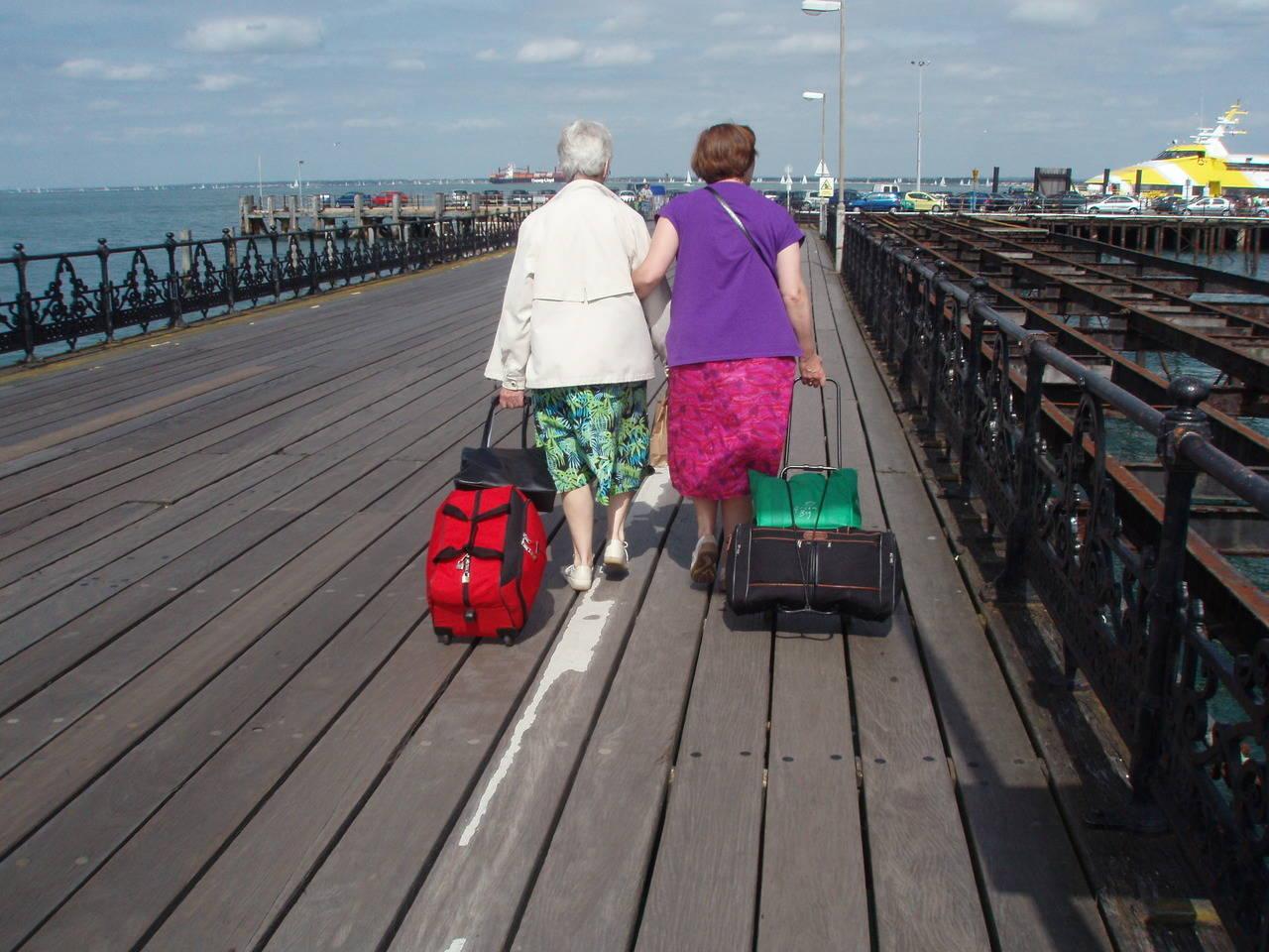 Los turistas senior de larga distancia eligen Europa