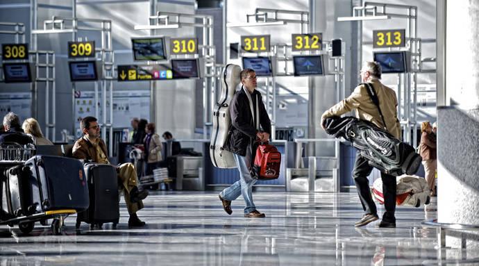 CEAV y AVIBA logran el compromiso de Fomento de luchar contra el fraude aéreo