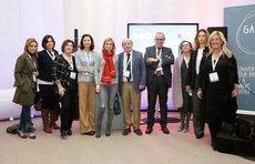 La presencia en Barcelona del sector turístico y congresual de Galicia junto a Nava Castro.