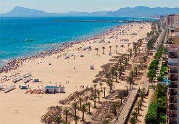 El Hotel Villaluz fomenta la limpieza en la playa de Gandía