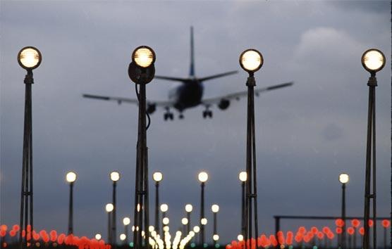 Garrido: 'El Gobierno debe intervenir y solucionar los reembolsos de aerolíneas'