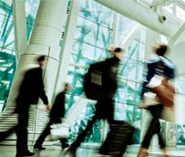 Las empresas pueden reclamar a las aerolíneas por los retrasos en vuelos