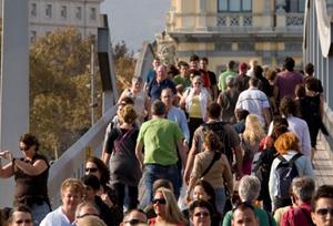 'España tiene que conseguir que los turistas no solo vayan a los tres o cuatro destinos'