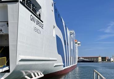 GNV mejora la conexión Península-Baleares