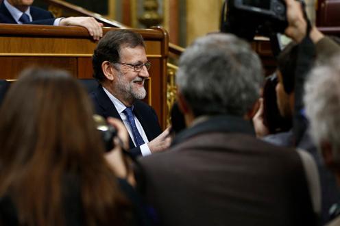 Los partidos de la oposición pasan por alto los recortes del Gobierno en Turismo