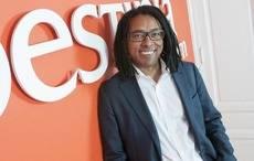 El CEO de Destinia, Amuda Goueli.