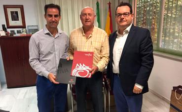 La Federación de Hostelería y Turismo de Granada firma un acuerdo con Grupo Motiva