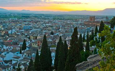 Zaragoza y Granada tienen los hoteles de lujo más asequibles