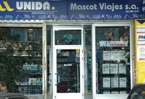 Competencia sanciona con un total de 264.000 euros a ocho Grupos comerciales