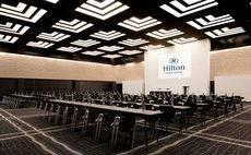 Uno de los espacios de reunión del Hilton Madrid Airport.