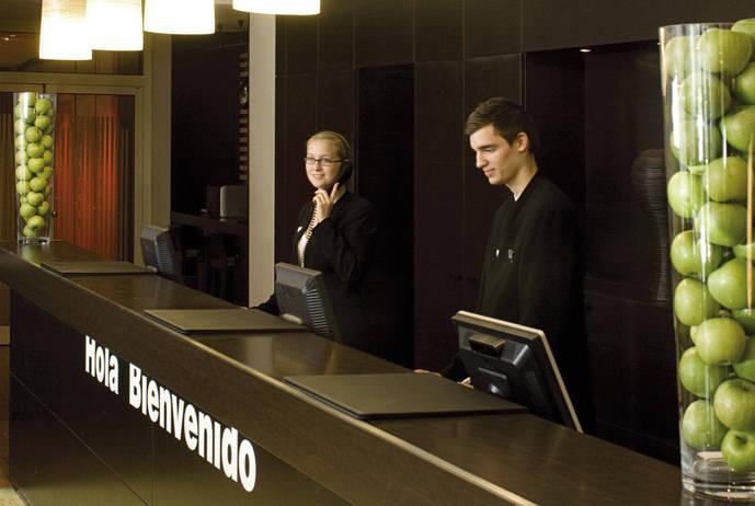 La jornada laboral en agencias de viajes y hoteles es superior a la media nacional