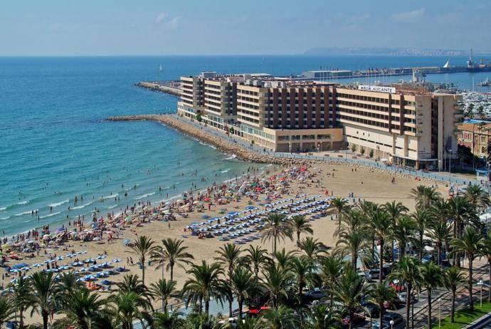 El Ayuntamiento de Alicante presenta un plan de ayudas directas al sector hotelero