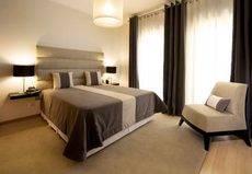Los precios hoteleros en España descienden un 2%
