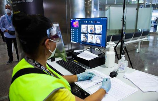 IATA exige que los gobiernos se hagan cargo del coste de las PCR para viajar