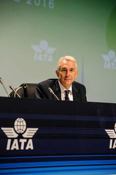 El director general de IATA, Tony Tyler, en la cumbre de Dublín.