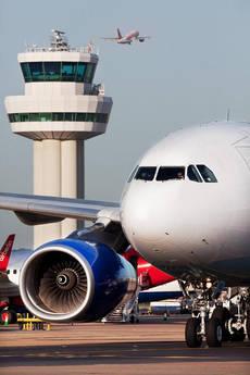 El tráfico doméstico crece más que el internacional, según los datos de IATA.
