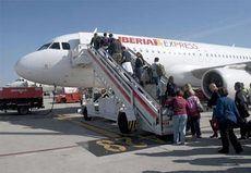 Iberia asegura que sus clientes están bien informados