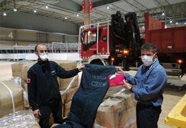 Iberia dona mantas y neceseres al hospital Fira Salut