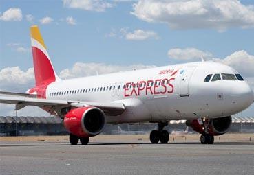 Iberia Express mejora el servicio a sus clientes
