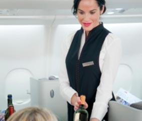 Iberia estrena vinos a bordo y en sus salas VIP
