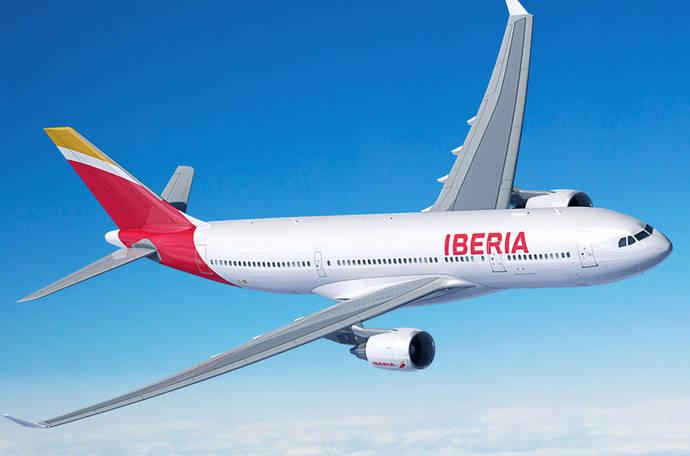 Iberia anuncia que sus clientes ya pueden utilizar el teléfono móvil como tarjeta de embarque en Barajas
