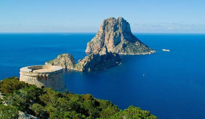 Ibiza lanza una campaña para 'concienciar' a los turistas sobre el alquiler legal