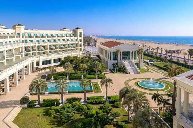 Hotel las Arenas, premiado en Luxury Hotel Awards