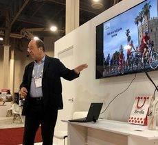 Una de las presentaciones del director del SCCB, Manuel Macías, en la feria IMEX America, celebrada en Las Vegas.