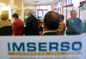 El rediseño del programa de viajes del Imserso, paralizado por el bloqueo político