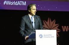 El ministro de Fomento, Íñigo de la Serna, en el World ATM Congress.