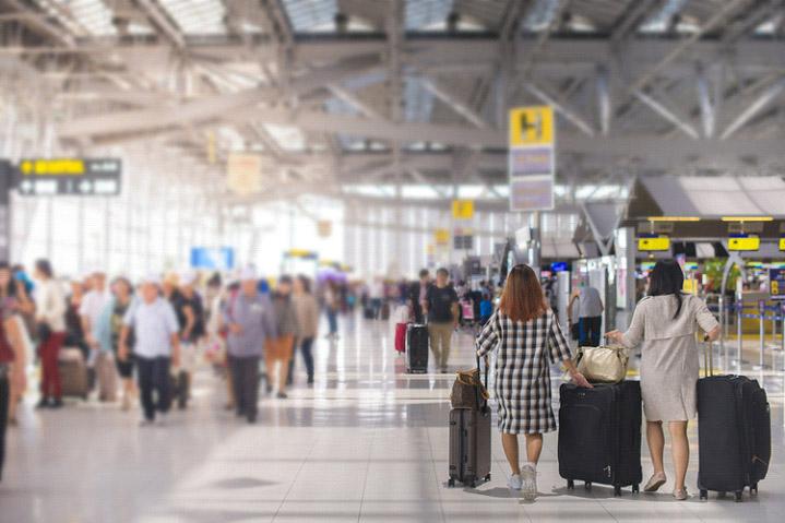 La contratación de seguros de viaje se dispara un 32%