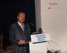 Mike Blackman durante el anuncio de Barcelona como sede del ISE.