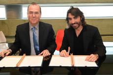 Javier Hidalgo y Amiran Applebaum han firmado el acuerdo.