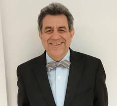 El director general de Dimensiones Club, Julio González.