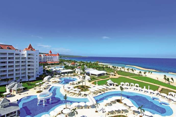Grupo Piñero reabre las puertas de Bahia Principe Luxury Runaway Bay