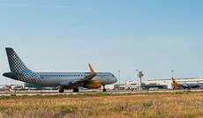 El precio de los billetes de avión se desploma un 48%